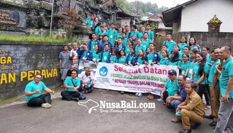 www.nusabali.com-siswa-bali-nusra-teliti-desa-pedawa