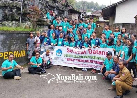 Nusabali.com - siswa-bali-nusra-teliti-desa-pedawa