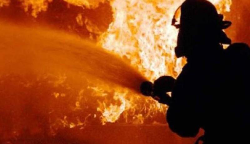 www.nusabali.com-rumah-pensiunan-pns-nyaris-ludes-terbakar