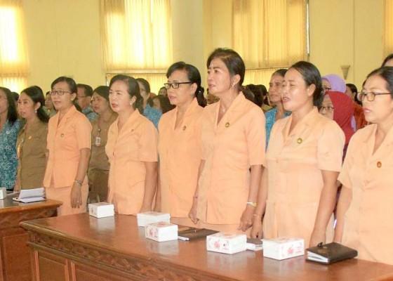 Nusabali.com - ibu-ibu-ikuti-sosialisasi-tentang-kdrt