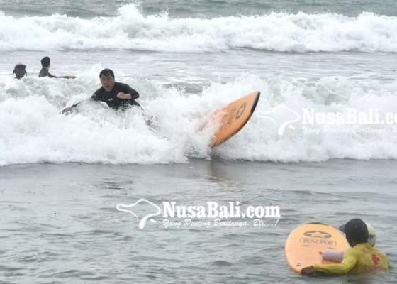 Nusabali.com - siklon-tropis-australia-picu-hujan-di-bali