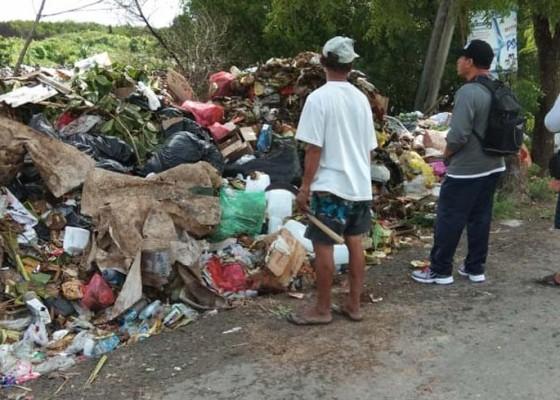 Nusabali.com - sampah-tpa-di-desa-jungutbatu-ancam-hutan-bakau