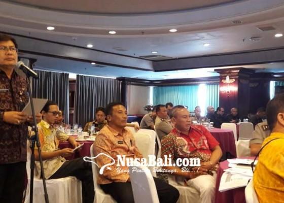 Nusabali.com - bansos-macet-anggota-dewan-teriak