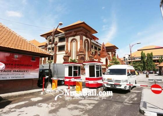 Nusabali.com - e-parkir-pasar-badung-diujicoba