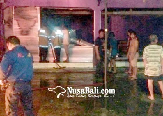 Nusabali.com - rumah-makan-terbakar-pemilik-bangunan-ngulkul-bulus