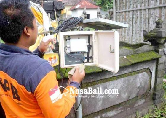 Nusabali.com - alat-deteksi-longsor-di-banjar-sega-rusak