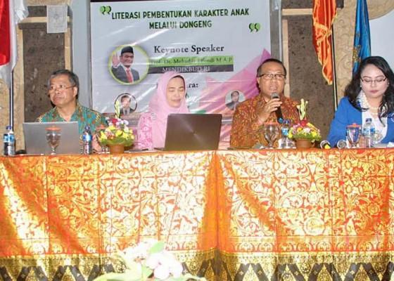 Nusabali.com - bkow-bali-ikip-pgri-bali-gelar-literasi-pembentukan-karakter-anak-melalui-dongeng