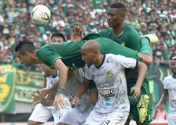 Nusabali.com - persebaya-depak-ps-tira-derby-jatim-di-semifinal