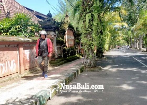 Nusabali.com - vandalisme-kotori-wajah-stadion-pecangakan