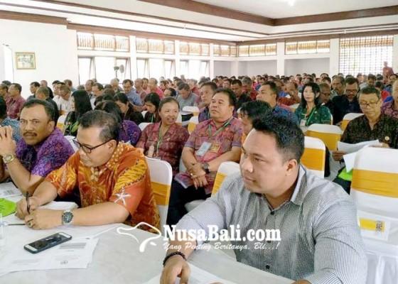 Nusabali.com - perbekel-dan-bpd-diberi-arahan