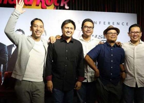 Nusabali.com - konser-jikustik-reunian-sukses-bikin-baper-penonton