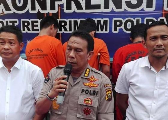Nusabali.com - polisi-tembak-4-pembobol-atm-4-buron