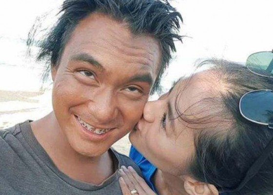 Nusabali.com - baim-paula-rayakan-4-juta-subscriber