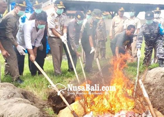 Nusabali.com - bkp-musnahkan-38-ton-daging-dan-225-kg-kulit-celeng