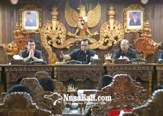 Nusabali.com - dprd-dan-pemkab-gelar-rapat-paripurna-lkpj-2018
