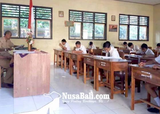 Nusabali.com - usbn-smp-hari-pertama-berjalan-lancar