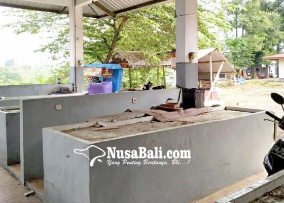 Nusabali.com - pasar-ikan-tuakilang-diubah-jadi-pasar-umur-sepi-penjual