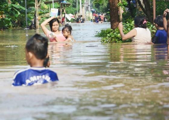 Nusabali.com - banjir-di-jombang