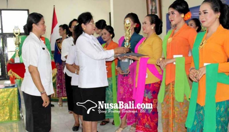 www.nusabali.com-staf-humas-boyong-gelar-kartini