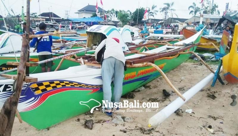 www.nusabali.com-tingkatkan-hasil-tangkapan-nelayan-borong-10-kapal