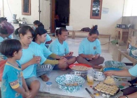 Nusabali.com - produksi-mantan-gepeng-muntigunung-mulai-dipasarkan