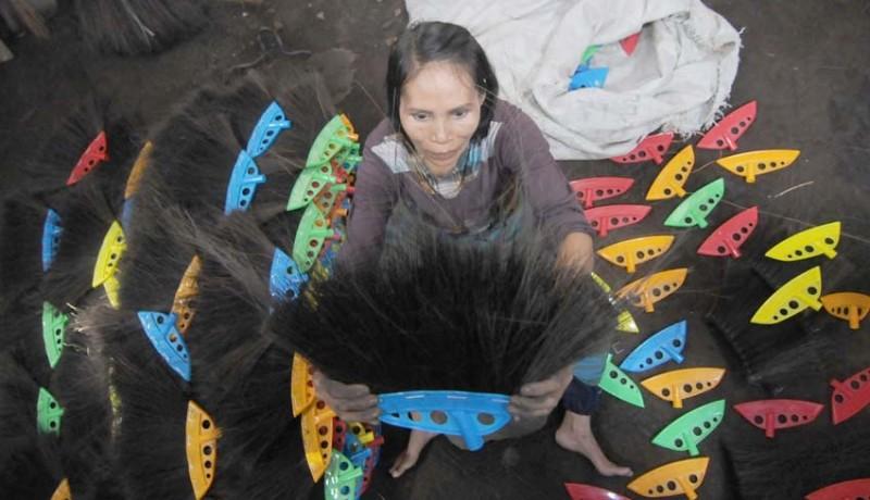 www.nusabali.com-produksi-sapu-ijuk