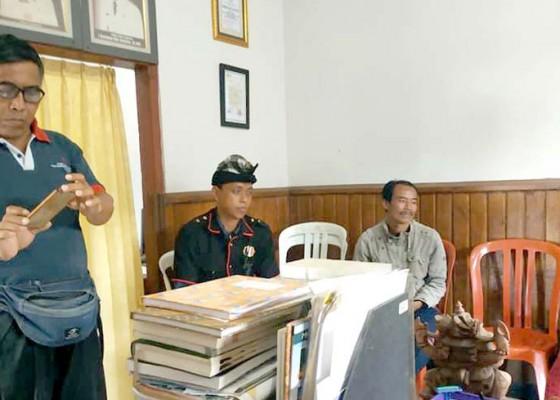 Nusabali.com - pecalang-jatiluwih-amankan-warga