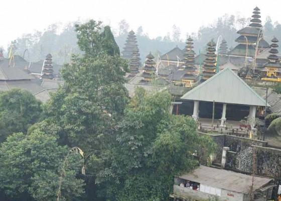 Nusabali.com - besakih-diguyur-hujan-abu