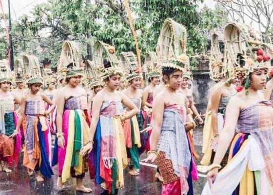 Nusabali.com - desa-adat-nongan-hidupkan-tari-rejang-pala