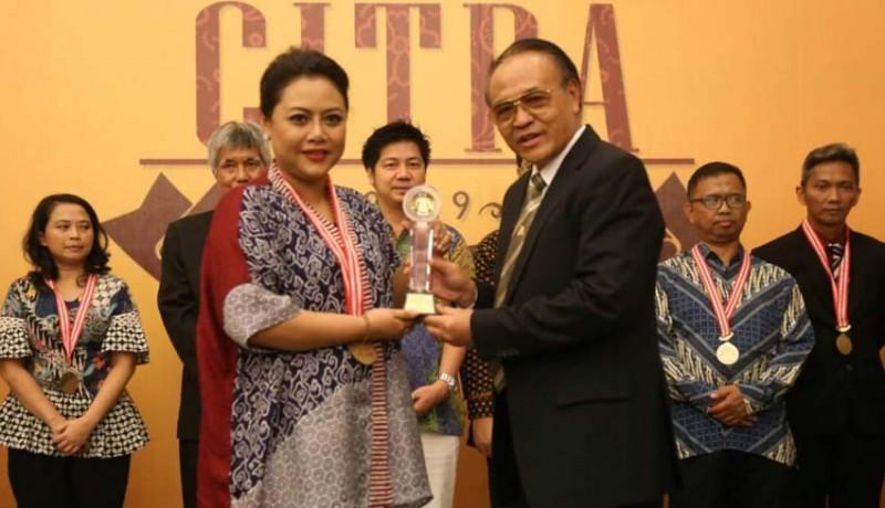 www.nusabali.com-bupati-eka-wiryastuti-terima-penghargaan-aci-tahun-2019