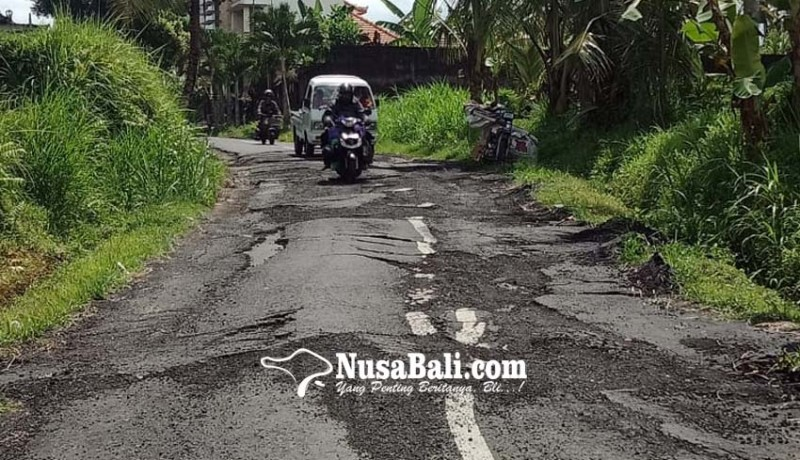 www.nusabali.com-warga-keluhkan-jalan-rusak