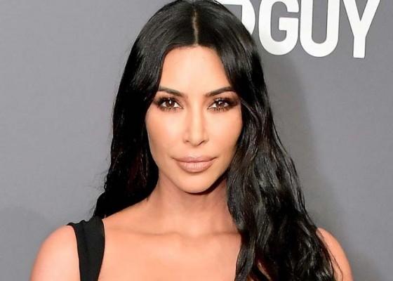 Nusabali.com - kim-kardashian-terpukau-keindahan-ubud