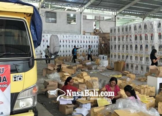 Nusabali.com - pembagian-formulir-c6-ditunggangi-kartu-caleg