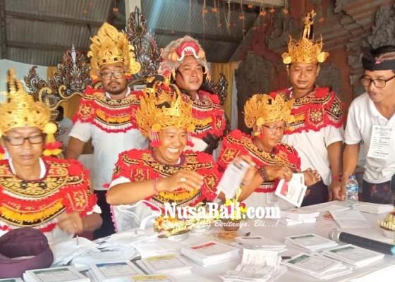 Nusabali.com - kostum-panca-pandawa-hingga-prasmanan-pemilih