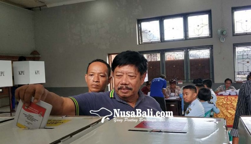 www.nusabali.com-winasa-dan-ratusan-warga-binaan-nyoblos