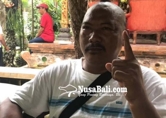 Nusabali.com - totalitas-cukur-rambut-bentuk-tulisan-jokowi