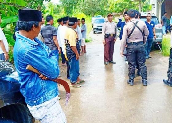 Nusabali.com - bentrok-di-tps-5-orang-diamankan
