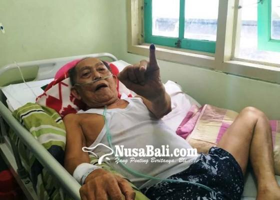 Nusabali.com - pasien-dadong-dan-pekak-ikut-nyoblos-karena-ingin-memilih-jokowi