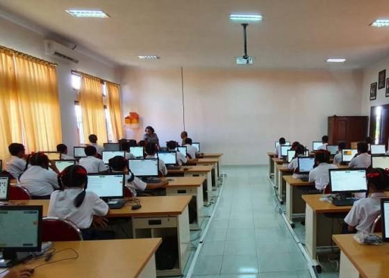 Nusabali.com - unbk-smp-di-badung-diikuti-9957-siswa