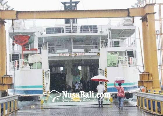Nusabali.com - gelombang-selat-lombok-setinggi-3-meter