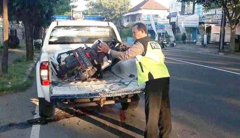 www.nusabali.com-ditabrak-pick-up-pemotor-alami-luka-serius