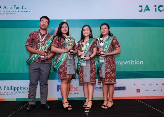 Nusabali.com - ciptakan-sepatu-powerbank-empat-pelajar-sman-4-denpasar-raih-beasiswa-perguruan-tinggi-di-as
