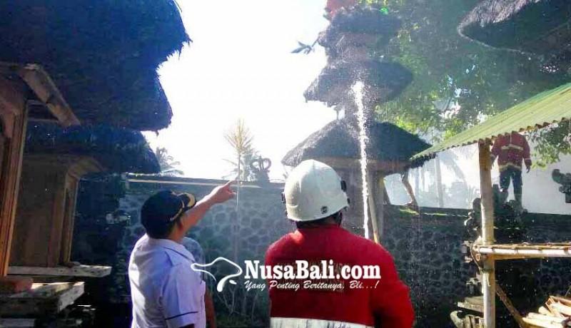 www.nusabali.com-meru-tumpang-tiga-terbakar