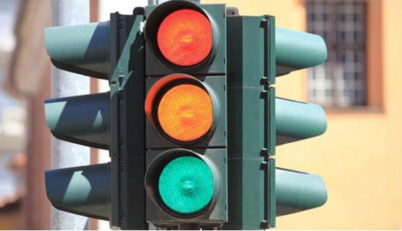 www.nusabali.com-dishub-perbaiki-traffic-light