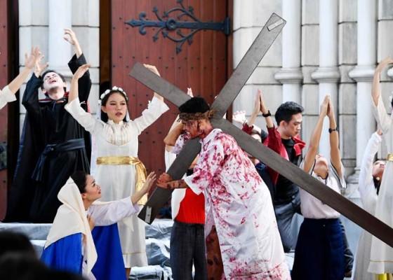 Nusabali.com - pastor-katedral-doakan-pemimpin-negara