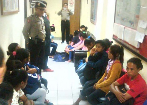 Nusabali.com - 29-perempuan-muda-diamankan-di-bandara-ngurah-rai