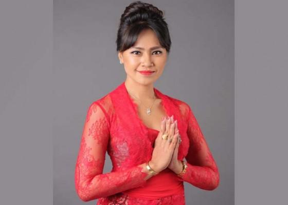 Nusabali.com - gung-inda-menjadi-wanita-pertama-lolos-parlemen-dari-petang