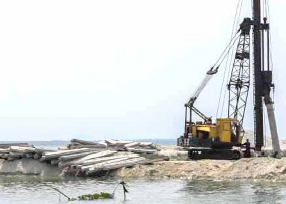 Nusabali.com - jetty-ramdor-tanah-ampo-lanjut-lagi
