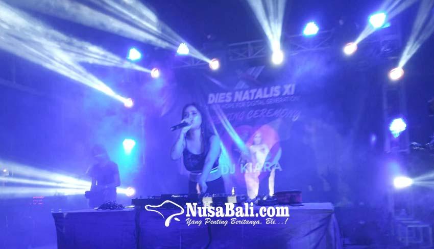 www.nusabali.com-remix-musik-dj-kiara-membuka-dies-natalis-xi-stiki-indonesia
