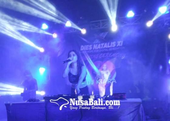 Nusabali.com - remix-musik-dj-kiara-membuka-dies-natalis-xi-stiki-indonesia